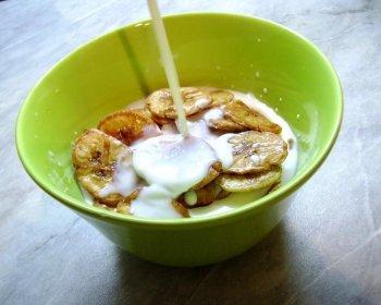 Суп молочный с бананами